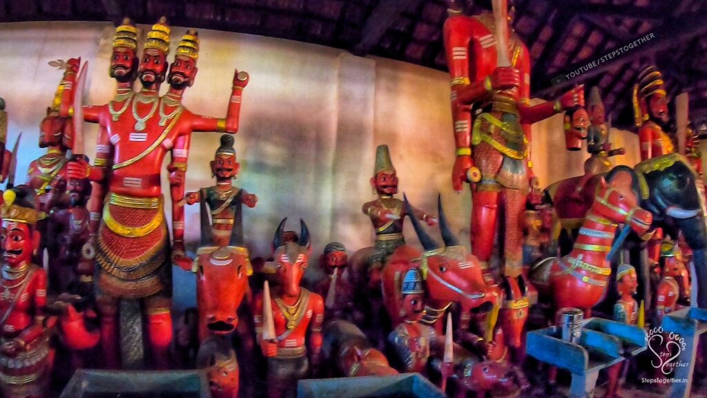 Mekkekattu Temple dolls